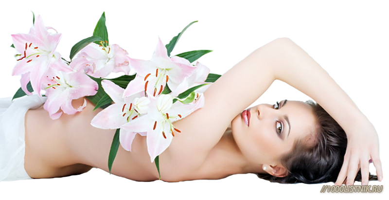 Девушка лежит, укрывшись цветами