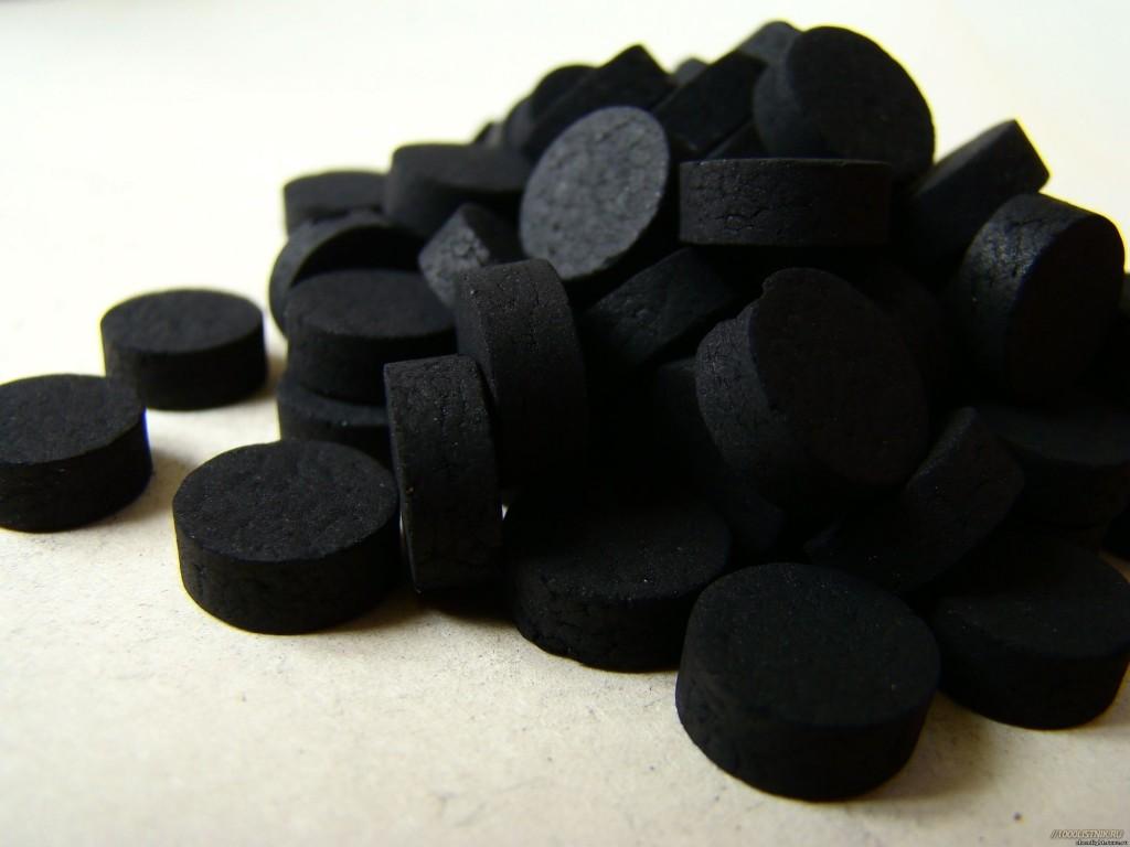 В некоторых случаях при лечении подагры уместно использовать активированный уголь