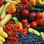 Свежие овощи, фрукты и ягоды