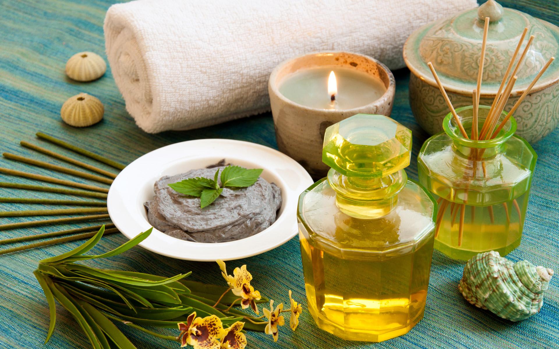 О пользе ароматерапии и правилах использования эфирных масел