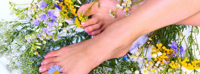 Потливость ног: народные средства
