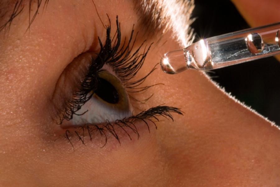Как промыть глаз от песка в домашних условиях