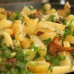 Тушёная картошка с лисичками