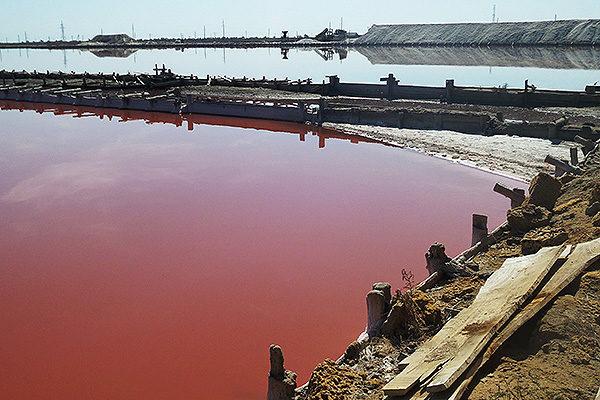 Бассейн с солевой рапой в Саках