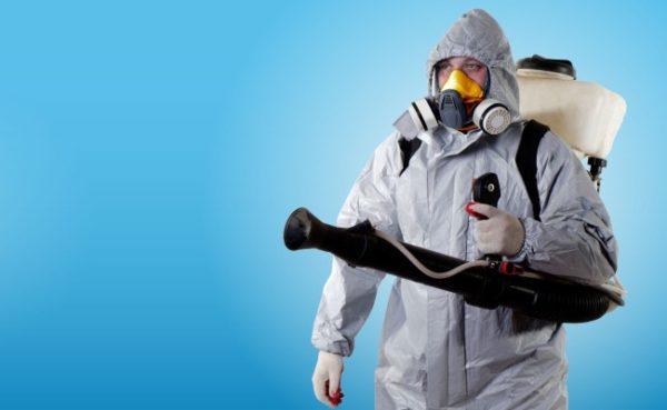 Защитный костюм для химобработки