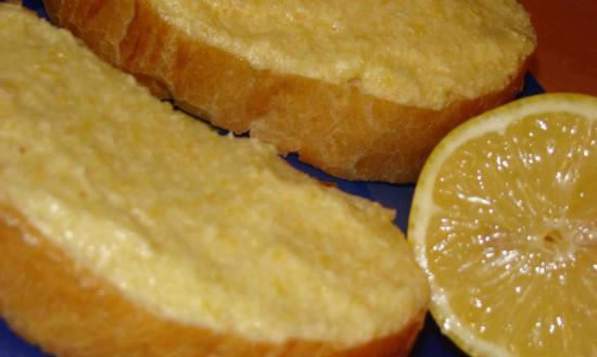 Бутерброды и лимон