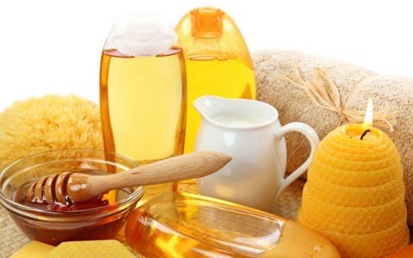 Мёд в пиале и другие компоненты народных средств