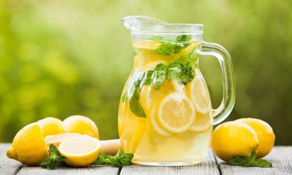 Витаминный коктейль с лимоном по утрам