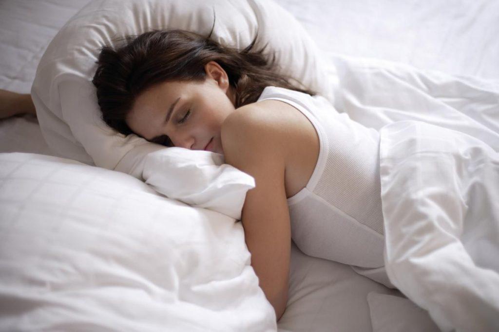 сих картинка сплю одна известен своим
